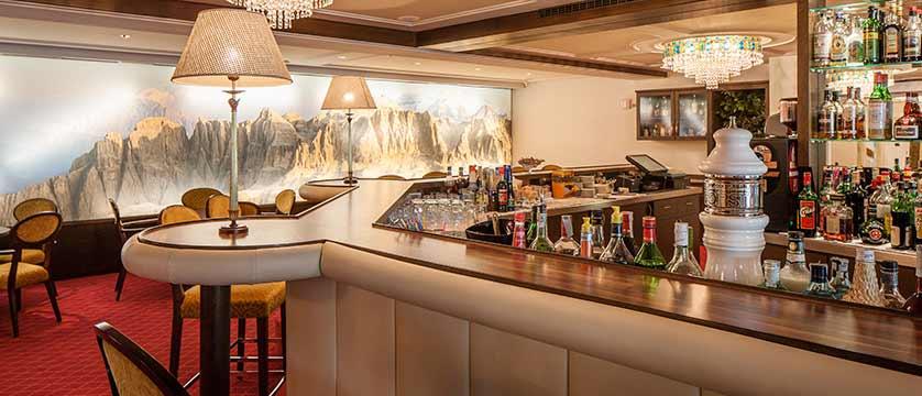 Hotel Oswald, Selva, Italy - bar.jpg